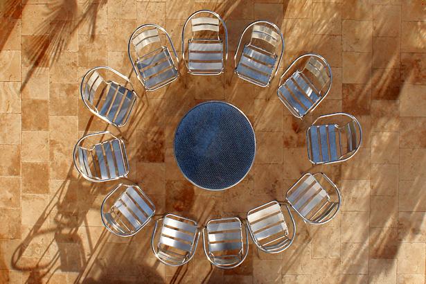 TELOS-Aussen-Terrasse-von-oben-Tisch-D0961cb.jpg
