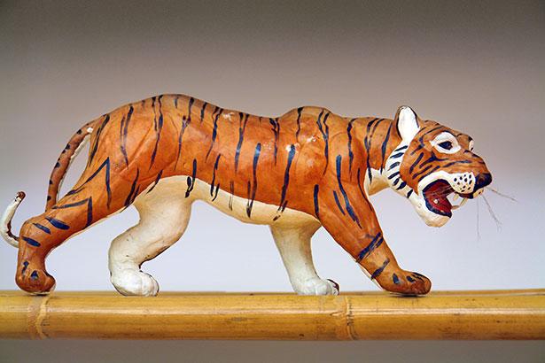 TELOS-innen-Details-Symbolfigur-Tiger-DSC07337b.jpg