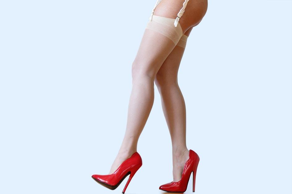 Frau sexy nackt High-Heels rot Strapse Strümpfe / Foto: TELOS - C06099qb