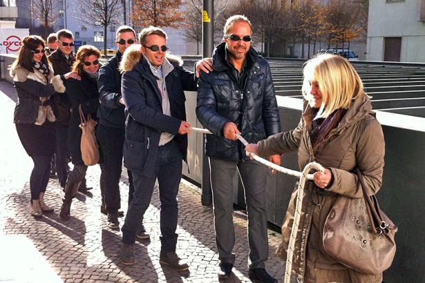 Seminarübung Blindschleiche Führungspsychologie / Foto: TELOS - IMG_9774