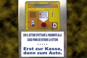 Werbetext Parkautomat Übersetzung besser Foto 8523bn