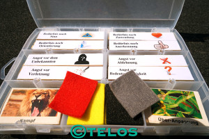 Unser Notfallkoffer und seine Inhalte / Foto: TELOS