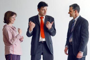 Körpersprache Gruppe 1 Frau 2 Männer wer soll das tun 2356bn