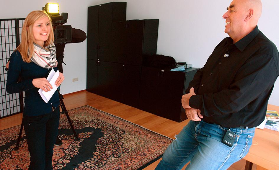Dr. Elmar Teutsch TV RAI Jugendmagazin Klick Fasching C08942en.jpg