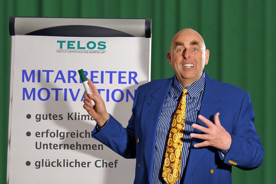 Referenten Dr. Elmar Teutsch Vortrag Flipchart Motivation D06846mbbg