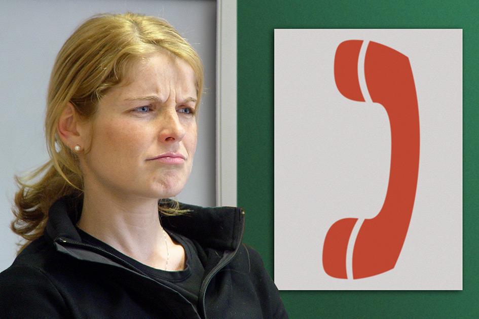 Pinnwand Frau skeptisch Telefon 11867b