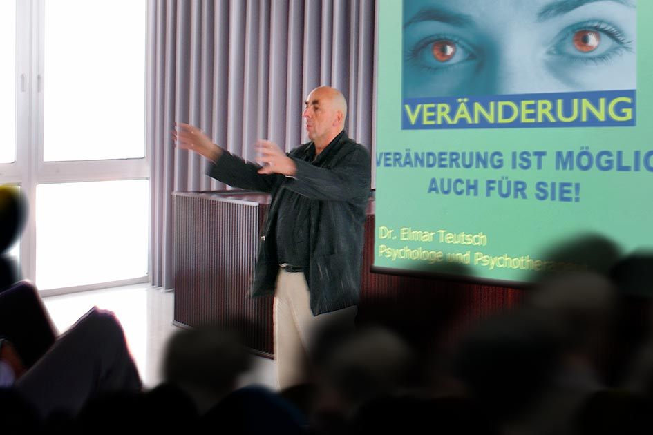 Referenten Dr. Elmar Teutsch Vortrag Veränderung / Foto: TELOS - C2081d2n