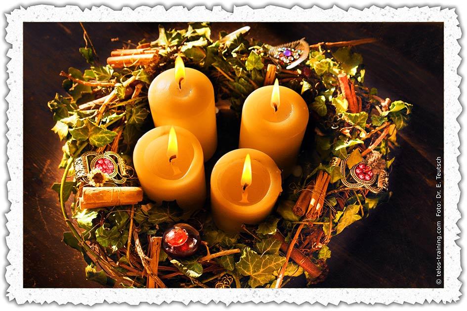 Weihnachtskarte 20 Adventskranz 4 Kerzen D2856