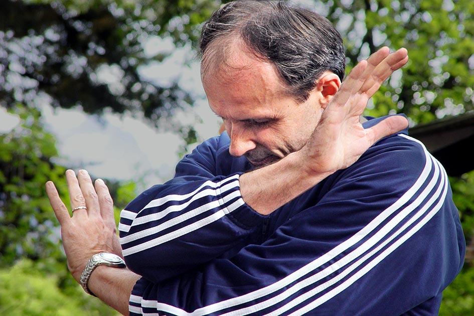 Mann Nein sagen Streit Stress Abwehr Sorge / Foto: TELOS - 07681c