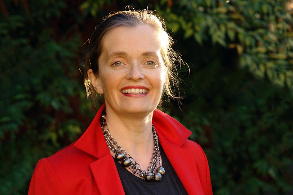 Referenten Institutsleiterin Mag. Magdalena Gasser Garten / Foto: TELOS - D6263dmb