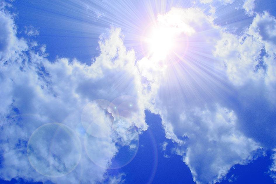 Sonne Strahlen Wolken Himmel / Foto: TELOs - 14300cdG