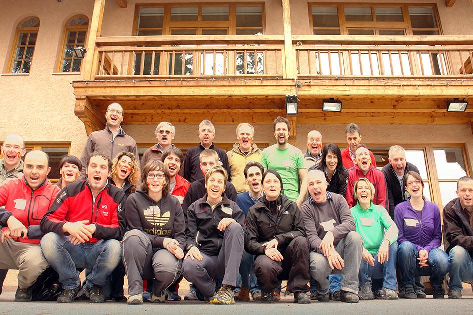 Stark im Team Gruppenbild nach dem Training / Foto: TELOS - C05066c