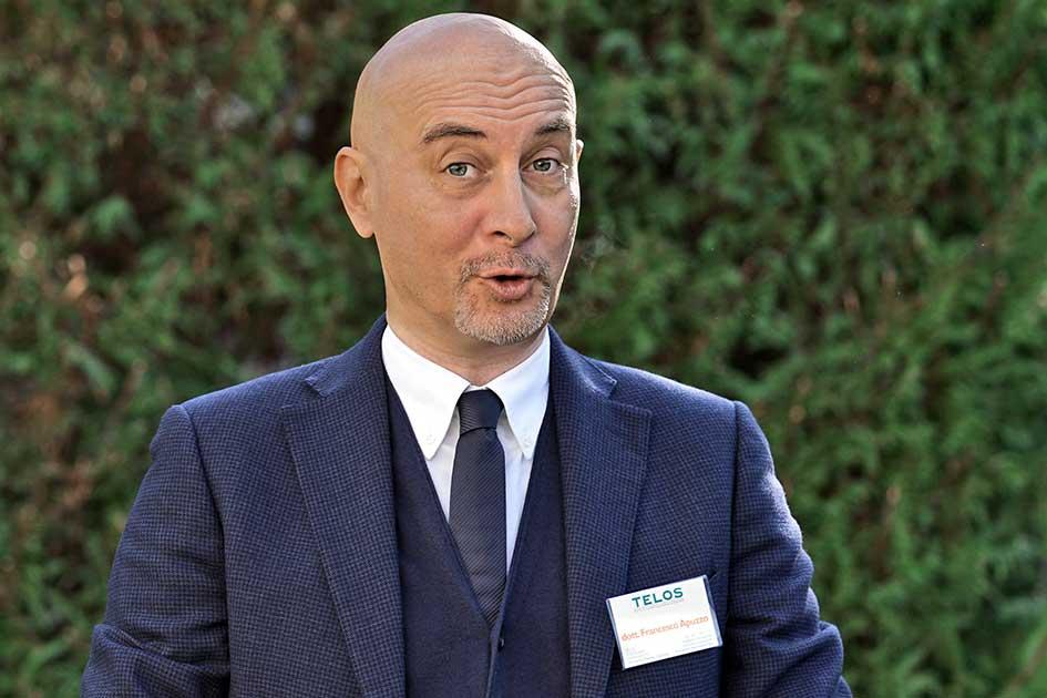 Referenten Dott. Francesco Apuzzo Garten Bäume / Foto: TELOS - F2021bnn